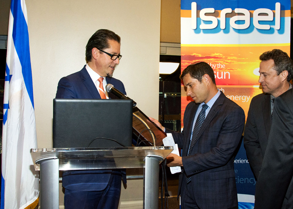 From L to R: Remi Eriksen, President & CEO DNV GL; Binyamin Zomer, Noble Energy Israel Country Manager; and Scott Childres, Noble Energy Vice President, Eastern Mediterranean
